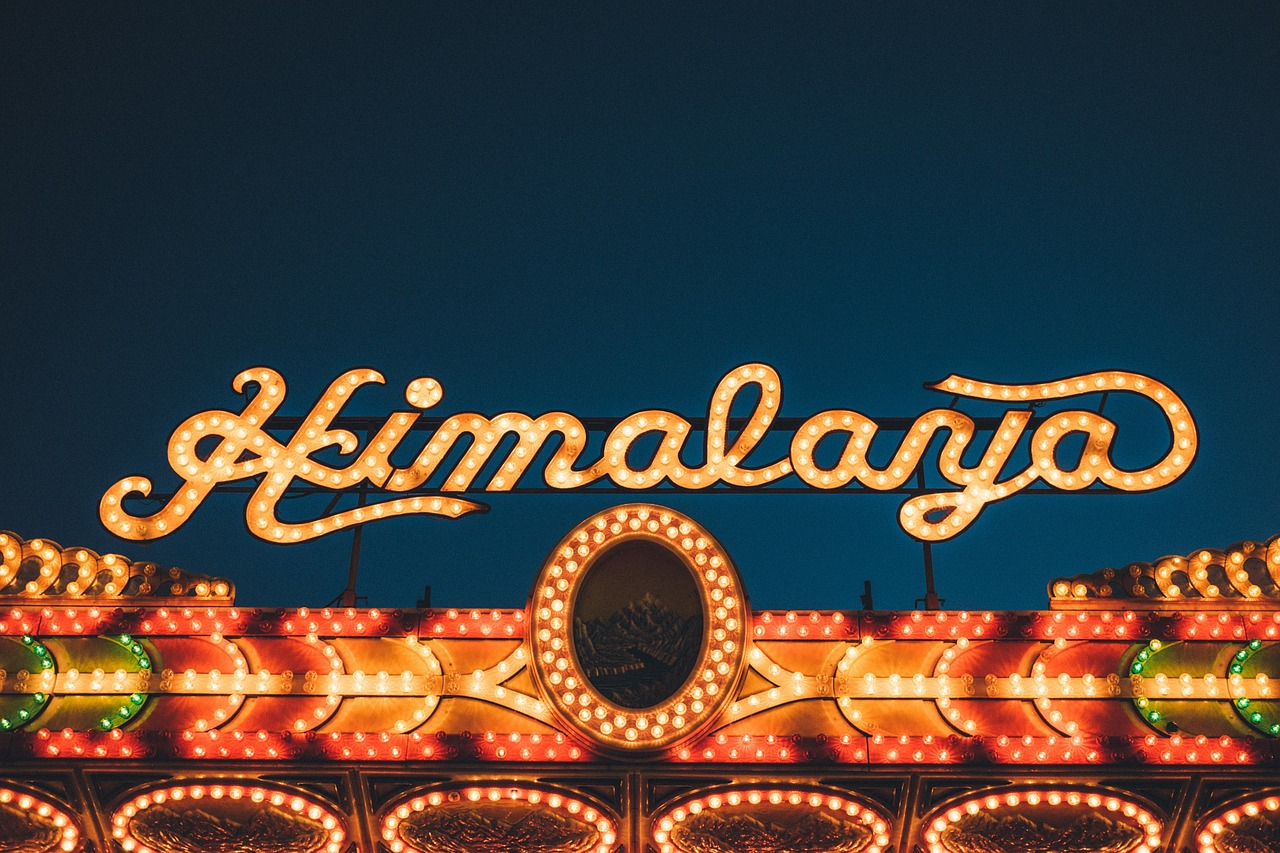 neon-restaurant-signboard-damansara