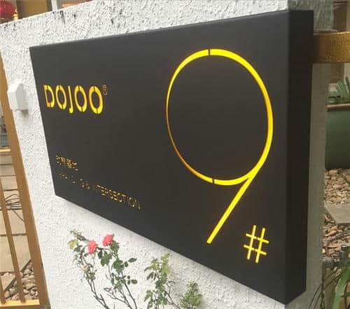 custom-lighted-signage-service