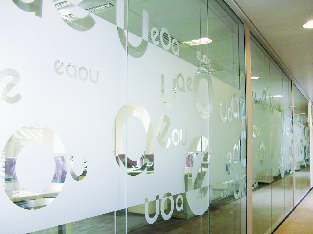etched-glass-signboard-indoor-wall